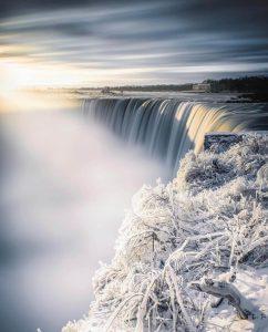 Niagara con nieve